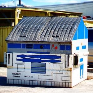 Crummy Gummy - R2D2 Dumpster - 001