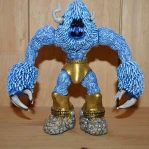 Twisty Bitz - Resin - Kaiju Horn 5 Eye Guy 001