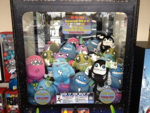 gus-fink-plush-toys-vending-machine-001